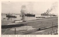 El puerto con la escuadra